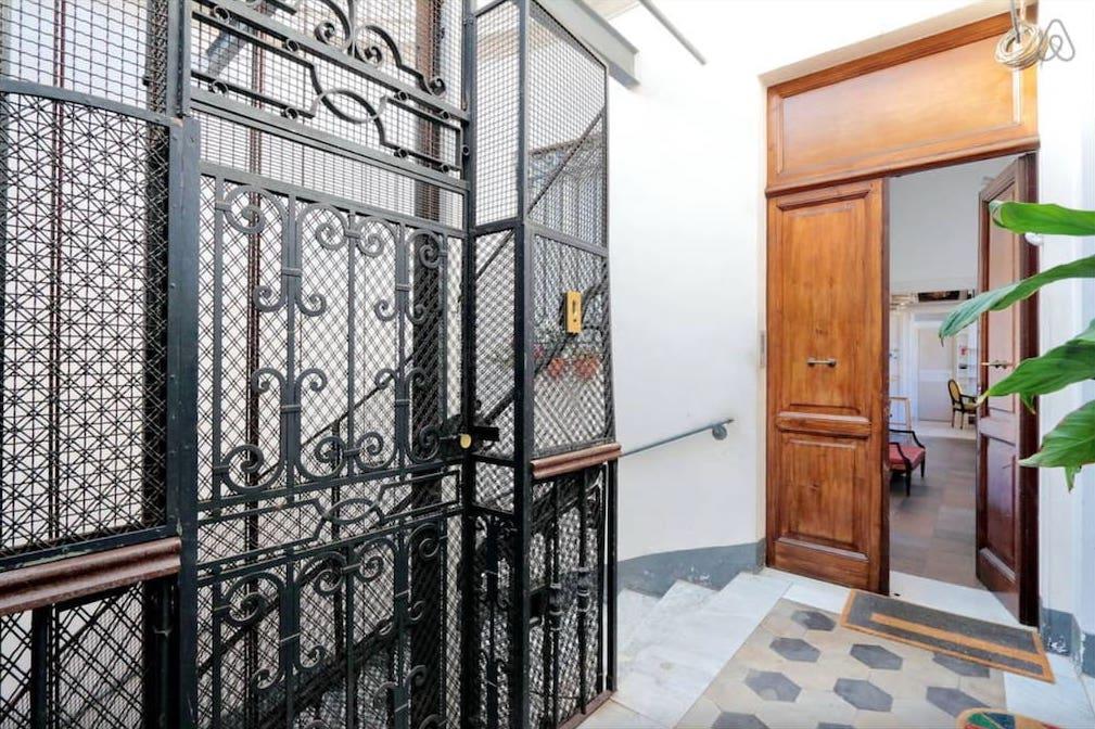 Rome Colosseum Loft (Airbnb): Hallway Entrance