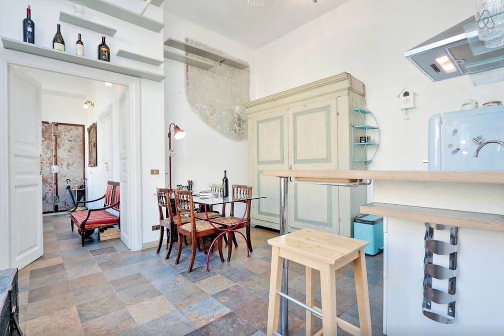 Rome Colosseum Loft (Airbnb): Dining Area/Kitchen/Foyer