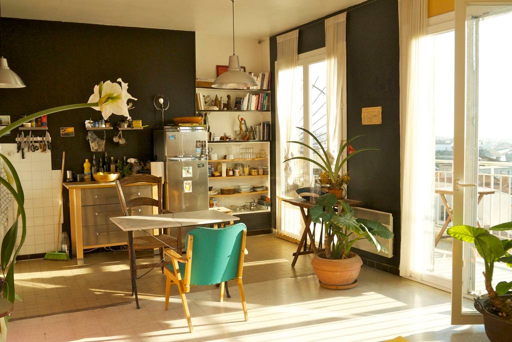 Marseille Penthouse Apartment (Airbnb): Kitchen & Dining Area
