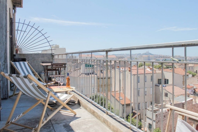 Marseille Penthouse Apartment (Airbnb): West Terrace & View