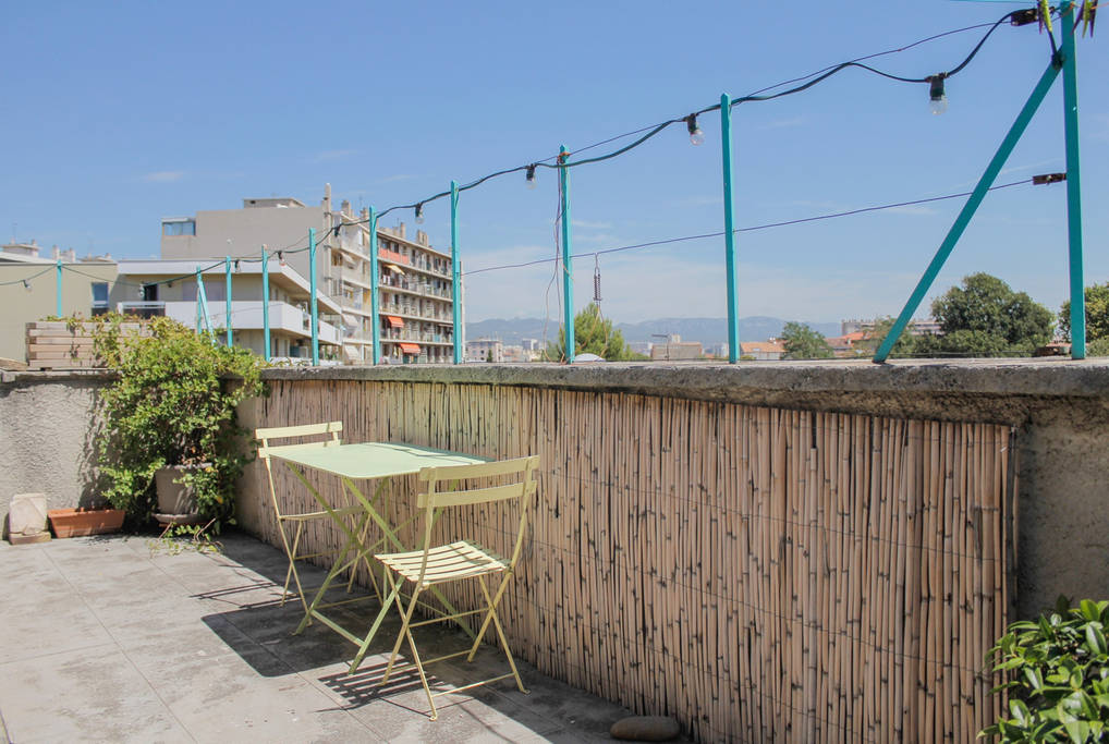 Marseille Penthouse Apartment (Airbnb): East Terrace