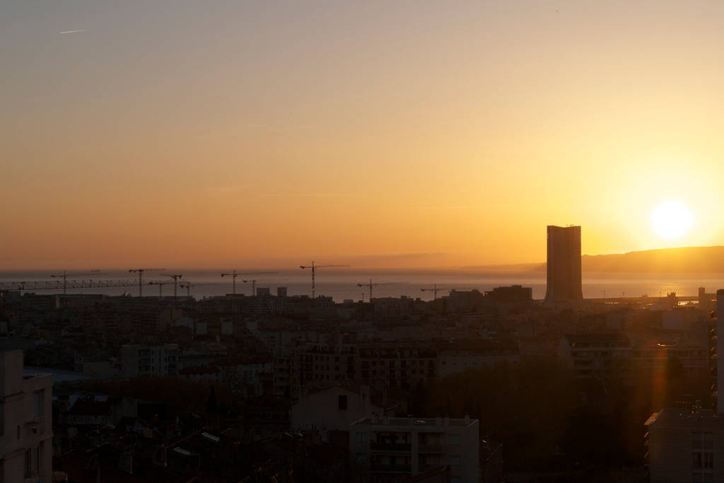 Marseille Penthouse Apartment (Airbnb): West Terrace Sunset View