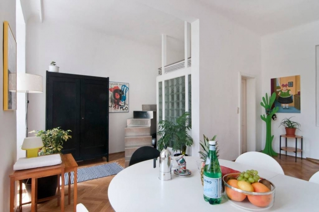 Bright & Central Vienna Airbnb Apartment: Loftbed