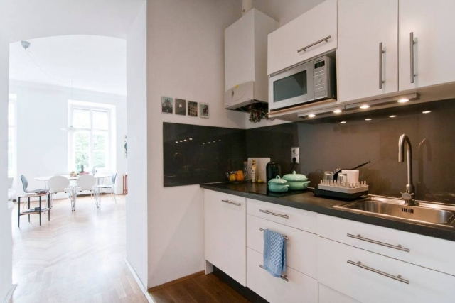 Bright & Central Vienna Airbnb Apartment: Kitchenette