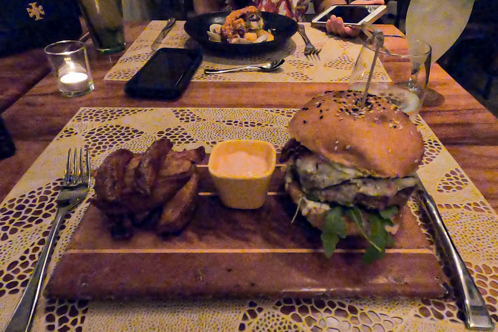 Must-Try Restaurants in Panama City: Caliope Restaurant, Casco Viejo (4 Estaciones Hamburguesa)
